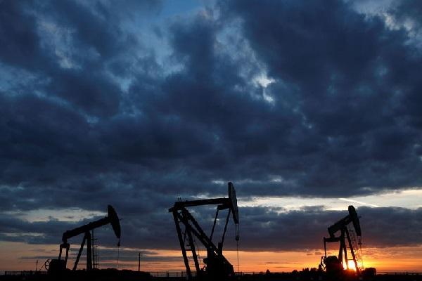 Giá dầu giảm khi OPEC+ tăng sản lượng