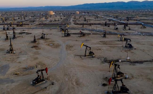 Giá xăng dầu hôm nay 3/9: Tồn kho giảm, giá dầu tiếp tục tăng
