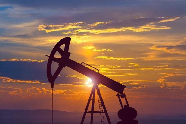 Giá dầu quay đầu giảm trước thềm cuộc họp OPEC+