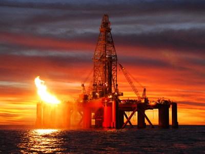 TT năng lượng TG ngày 10/6: Giá dầu giảm sau khi tồn kho của Mỹ tăng