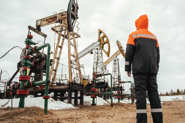 IEA: Đại dịch COVID-19 chưa kết thúc, nhu cầu dầu mỏ sẽ tiếp tục giảm kỉ lục trong năm 2020