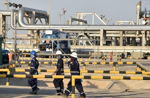 Giá dầu thô tăng mạnh, gần chạm mức cao nhất trong 5 tháng qua
