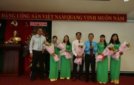 Bà Phan Thị Huyển giữ chức Chủ tịch Công đoàn Tạp chí Cao su VN