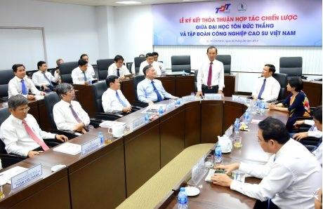VRG ký thỏa thuận hợp tác chiến lược với Đại học Tôn Đức Thắng