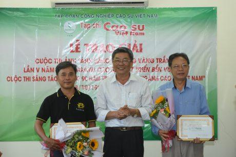 Tạp chí Cao su VN trao giải 2 cuộc thi sáng tác và ảnh nghệ thuật